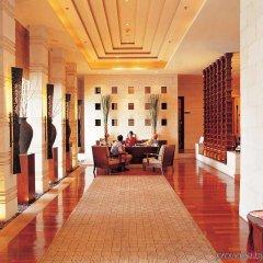 Отель Hilton Hua Hin Resort & Spa интерьер отеля