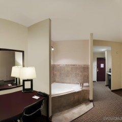 Отель Comfort Suites Cicero комната для гостей фото 3