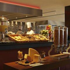 Отель Hilton Garden Inn New Delhi/Saket Индия, Нью-Дели - отзывы, цены и фото номеров - забронировать отель Hilton Garden Inn New Delhi/Saket онлайн питание фото 3