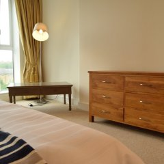Отель 2 Bedroom Flat in Canary Wharf With Balcony Великобритания, Лондон - отзывы, цены и фото номеров - забронировать отель 2 Bedroom Flat in Canary Wharf With Balcony онлайн комната для гостей