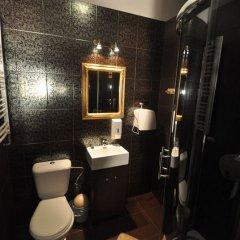 Отель Pink Panther's Hostel Польша, Краков - 1 отзыв об отеле, цены и фото номеров - забронировать отель Pink Panther's Hostel онлайн ванная фото 2