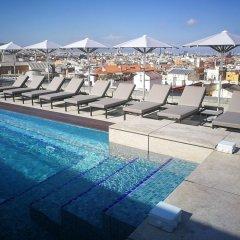 Отель Crowne Plaza Barcelona - Fira Center Испания, Барселона - 3 отзыва об отеле, цены и фото номеров - забронировать отель Crowne Plaza Barcelona - Fira Center онлайн бассейн фото 2