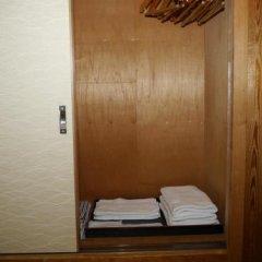Yamanakakohanso Hotel Seikei Яманакако сейф в номере
