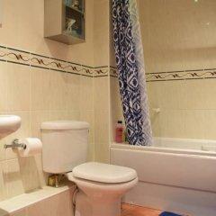 Отель 2 Bedroom Flat Next to Brockwell Park Великобритания, Лондон - отзывы, цены и фото номеров - забронировать отель 2 Bedroom Flat Next to Brockwell Park онлайн ванная фото 2