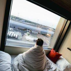 Отель citizenM Schiphol Airport Нидерланды, Схипхол - 4 отзыва об отеле, цены и фото номеров - забронировать отель citizenM Schiphol Airport онлайн приотельная территория фото 2