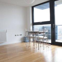 Отель 1 Bedroom Flat With a Balcony View of the Shard комната для гостей фото 5