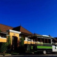 Отель Two Villas Holiday Oriental Style Layan Beach Таиланд, пляж Банг-Тао - отзывы, цены и фото номеров - забронировать отель Two Villas Holiday Oriental Style Layan Beach онлайн городской автобус