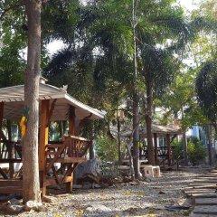 Отель Charlie's Bungalow Таиланд, Ко Сичанг - отзывы, цены и фото номеров - забронировать отель Charlie's Bungalow онлайн пляж