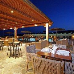 Отель Thera Mare Hotel Греция, Остров Санторини - 1 отзыв об отеле, цены и фото номеров - забронировать отель Thera Mare Hotel онлайн питание фото 2