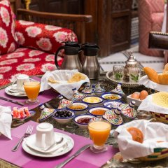 Отель Riad dar Chrifa Марокко, Фес - отзывы, цены и фото номеров - забронировать отель Riad dar Chrifa онлайн питание фото 2