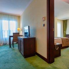 Crowne Plaza Hotel Antalya Турция, Анталья - 10 отзывов об отеле, цены и фото номеров - забронировать отель Crowne Plaza Hotel Antalya онлайн удобства в номере фото 2