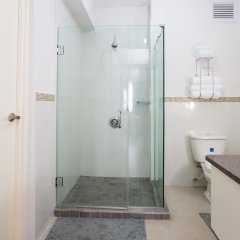 Отель Kingston Luxury Guest Apt at Sullivan ванная фото 2