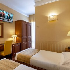Hotel Lancaster сейф в номере
