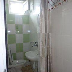 """Гостиница Guest House """"eucalyptus"""" в Сочи отзывы, цены и фото номеров - забронировать гостиницу Guest House """"eucalyptus"""" онлайн ванная"""