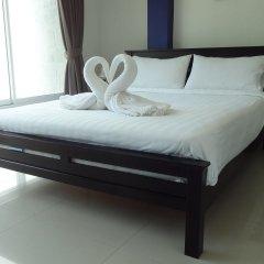 Отель But Different Phuket Guesthouse комната для гостей