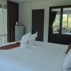 Отель But Different Phuket Guesthouse балкон