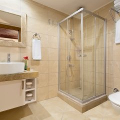 Dogan Hotel by Prana Hotels & Resorts Турция, Анталья - 4 отзыва об отеле, цены и фото номеров - забронировать отель Dogan Hotel by Prana Hotels & Resorts онлайн ванная фото 2