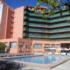 Отель Fenals Garden бассейн