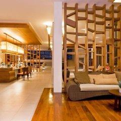 Отель Peach Blossom Resort Пхукет гостиничный бар