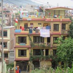 Отель Monkey Temple Homestay Непал, Катманду - отзывы, цены и фото номеров - забронировать отель Monkey Temple Homestay онлайн балкон