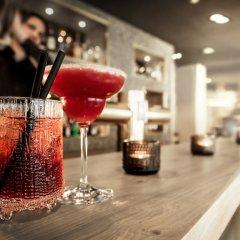 Отель H'Otello B'01 гостиничный бар