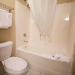 Отель Best Western Port Columbus США, Колумбус - отзывы, цены и фото номеров - забронировать отель Best Western Port Columbus онлайн ванная фото 2
