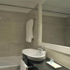 Отель Pestana Alvor Park Hotel Apartamento Португалия, Портимао - отзывы, цены и фото номеров - забронировать отель Pestana Alvor Park Hotel Apartamento онлайн ванная фото 2