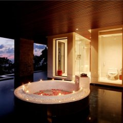 Отель Paresa Resort Пхукет ванная фото 2