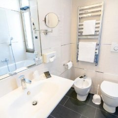 Отель FH55 Grand Hotel Mediterraneo Италия, Флоренция - 1 отзыв об отеле, цены и фото номеров - забронировать отель FH55 Grand Hotel Mediterraneo онлайн ванная