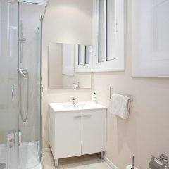 Отель Casa Maca Guest House Барселона ванная