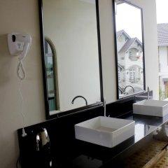Отель Binh Yen Hotel Вьетнам, Далат - 1 отзыв об отеле, цены и фото номеров - забронировать отель Binh Yen Hotel онлайн ванная фото 2