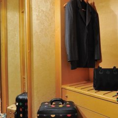 Отель Royal Hotel Carlton Италия, Болонья - 3 отзыва об отеле, цены и фото номеров - забронировать отель Royal Hotel Carlton онлайн сейф в номере