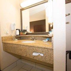 Отель Best Western Port Columbus США, Колумбус - отзывы, цены и фото номеров - забронировать отель Best Western Port Columbus онлайн ванная