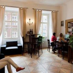 Отель Arpacay Backpackers Hostel Чехия, Прага - отзывы, цены и фото номеров - забронировать отель Arpacay Backpackers Hostel онлайн интерьер отеля фото 2