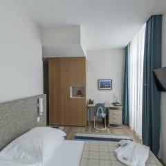 The House Ribeira Porto Hotel Порту сейф в номере