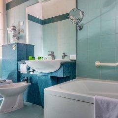 Отель Albergo Cesàri Италия, Рим - 2 отзыва об отеле, цены и фото номеров - забронировать отель Albergo Cesàri онлайн ванная
