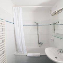Отель am Brandenburger Tor Германия, Берлин - отзывы, цены и фото номеров - забронировать отель am Brandenburger Tor онлайн ванная