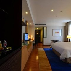 Grand Sukhumvit Hotel Bangkok Managed by Accor сейф в номере