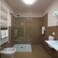 Отель Splendid Sole Манерба-дель-Гарда ванная
