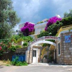 Отель Sun Rose Apartments Черногория, Свети-Стефан - отзывы, цены и фото номеров - забронировать отель Sun Rose Apartments онлайн парковка