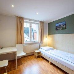 Отель A&O Berlin Friedrichshain Германия, Берлин - 3 отзыва об отеле, цены и фото номеров - забронировать отель A&O Berlin Friedrichshain онлайн комната для гостей фото 5