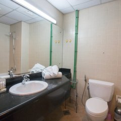 Отель One Perfect Stay - Discovery Gardens ванная фото 2
