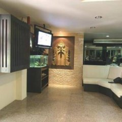 Отель Pinnacle Sukhumvit Inn Бангкок фитнесс-зал