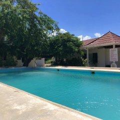 Отель Sunflower Villas Ямайка, Ранавей-Бей - отзывы, цены и фото номеров - забронировать отель Sunflower Villas онлайн бассейн фото 3