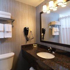Отель Regency Suites Hotel Канада, Калгари - отзывы, цены и фото номеров - забронировать отель Regency Suites Hotel онлайн ванная