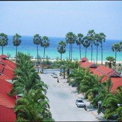 Отель The Old Phuket - Karon Beach Resort пляж
