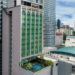 Отель Grand Swiss Sukhumvit 11 Бангкок балкон