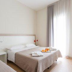 Hotel Amicizia Rimini комната для гостей фото 8