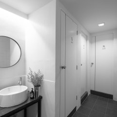 Отель LiveItUp Central Бангкок ванная