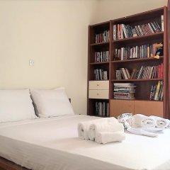 Отель Comfy 3rd Floor Flat and Pspace развлечения